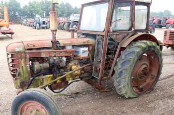 salg af Volvo 350 traktor
