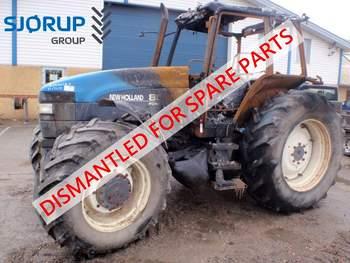 salg af New Holland 8560 traktor
