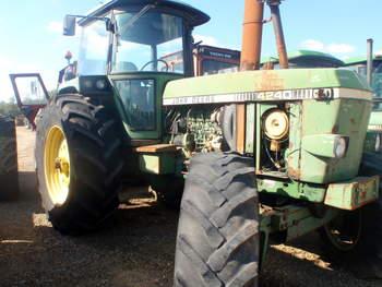 salg af John Deere 4240 S traktor