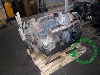 salg af Motor New Holland 8670