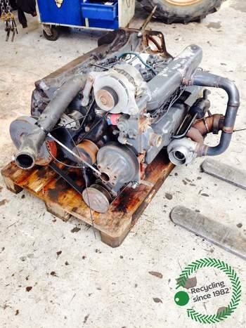 salg af Motor New Holland 8770