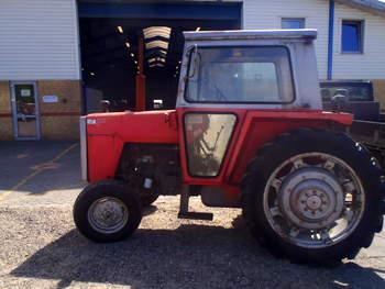 salg af Massey Ferguson 565 traktor