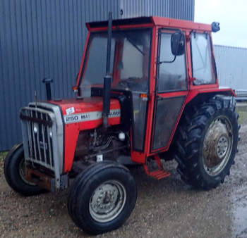 salg af Massey Ferguson 250 traktor
