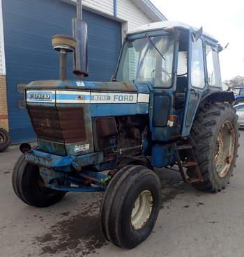 salg af Ford 8200 traktor
