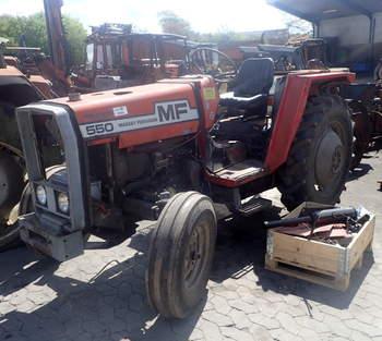 salg af Massey Ferguson 550 traktor