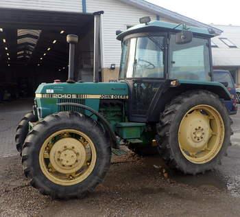 salg af John Deere 2040 S traktor