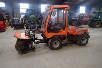 salg af Holder C242 traktor