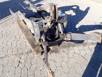 salg af Frontlift Deutz Agrotron 106