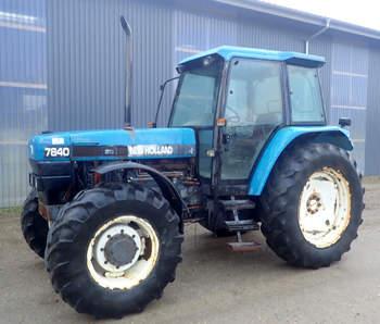 salg af New Holland 7840 traktor
