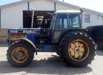salg af Ford TW 35 traktor