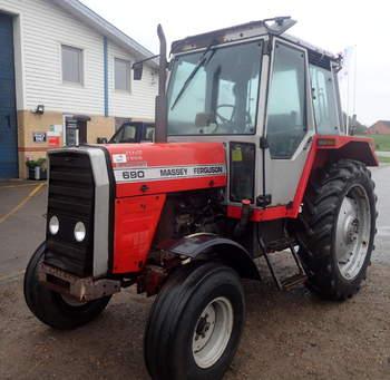 salg af Massey Ferguson 690 traktor