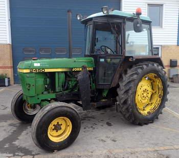 salg af John Deere 2450 traktor