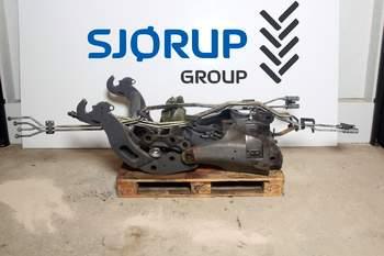 salg af Frontlift Valtra S353