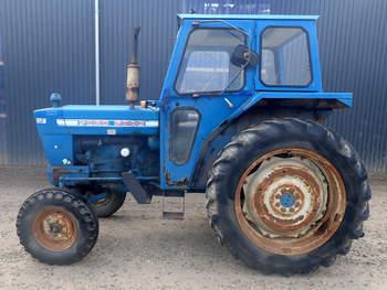 salg af Ford 5000 traktor