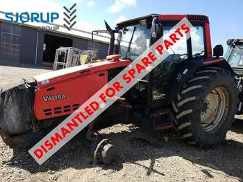salg af Valtra 8350 traktor