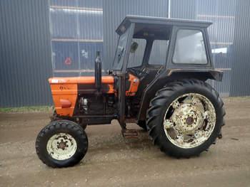 salg af Fiat 640 traktor