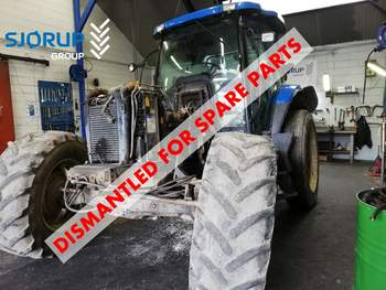 salg af New Holland TS135A traktor