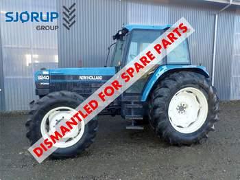 salg af New Holland 8240 traktor