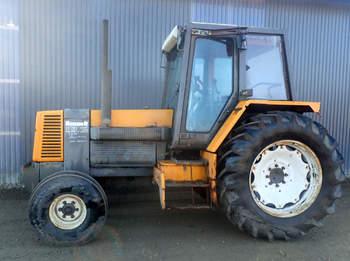 salg af Renault 113-12 traktor