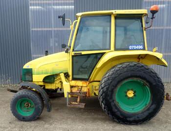 salg af New Holland 4635 traktor