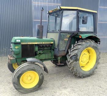 salg af John Deere 2130 traktor