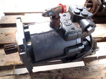 salg af Oliemotor Case Axial Flow 8010